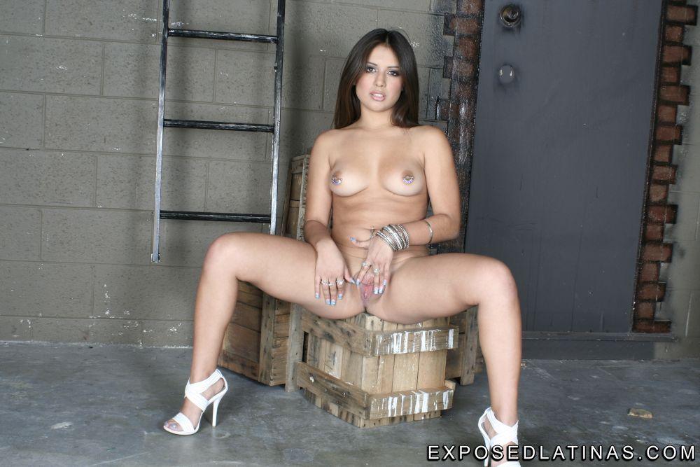Jynx Maze horny latina pornstar seduces Tommy Gunn